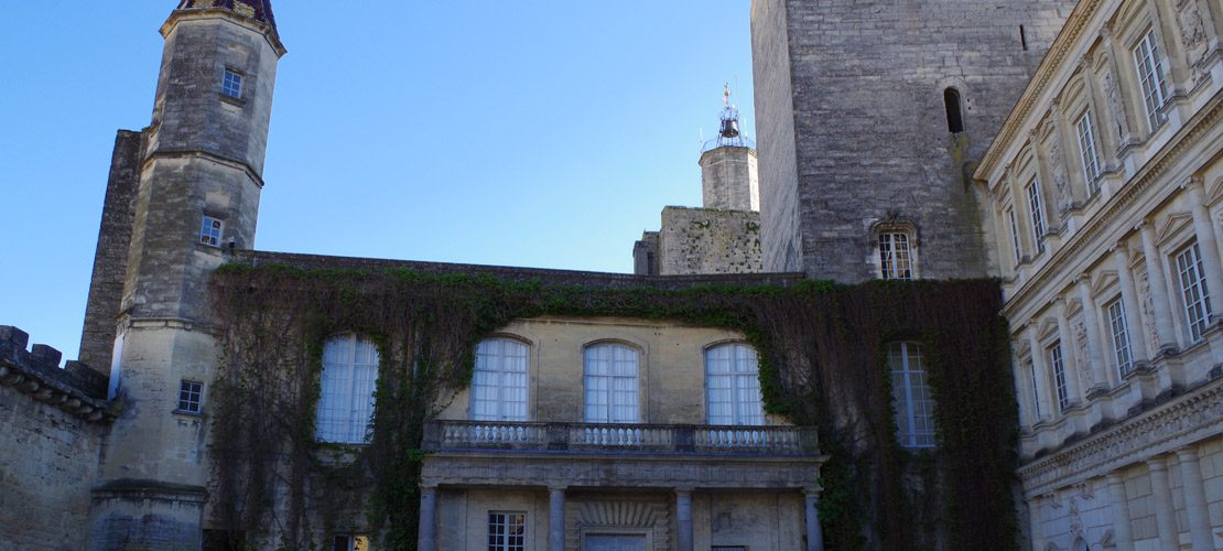 photo vieille ville uzes