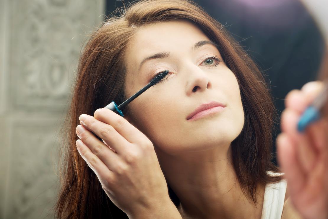 Tuto maquillage : Comment bien maquiller ses yeux après 45 ans ?