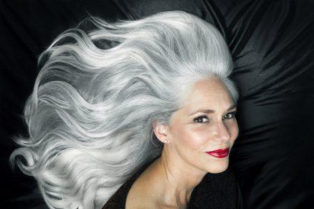 Cheveux blancs mode