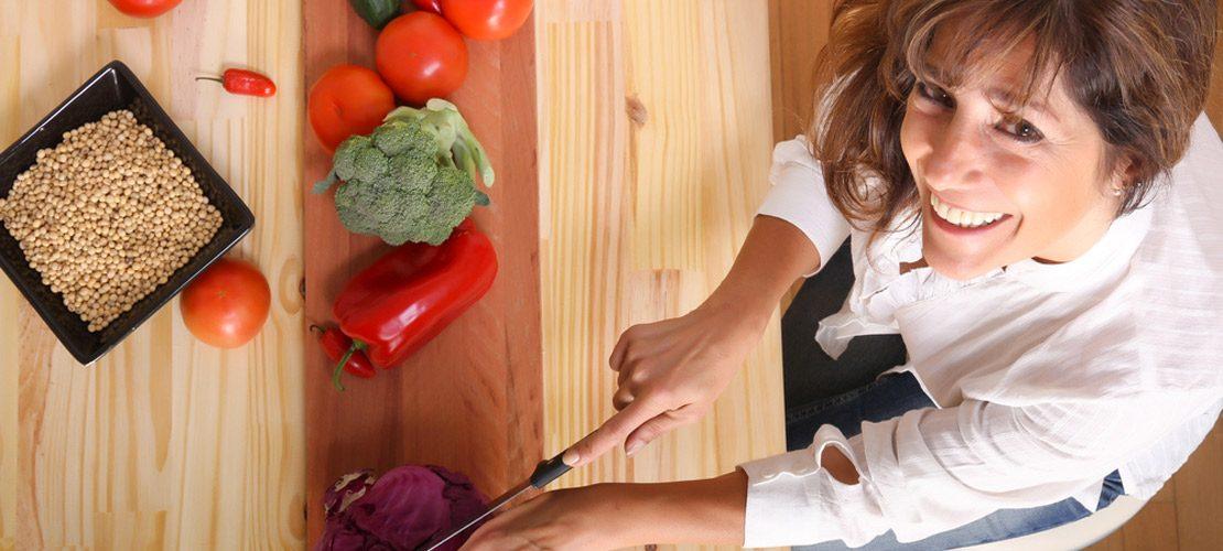 photo femme qui cuisine
