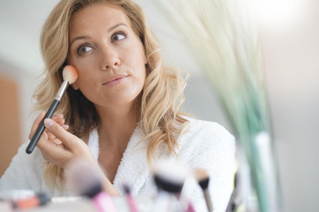 5 erreurs maquillage qui nous font paraître plus âgée
